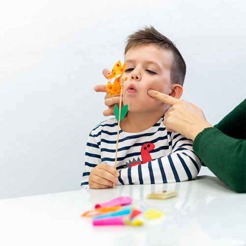 گفتار درمانی کودکان اوتیسمی